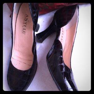 ANYI LU heels